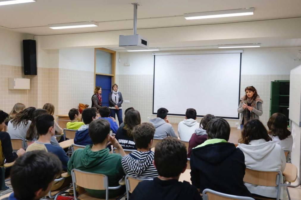 Educación y Bienestar Social organizan unas jornadas de prevención de drogodependencias en el IES L'Arabí