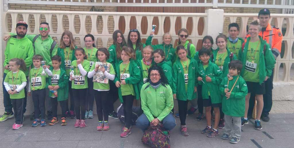 27 niños de l'Alfàs del Pi participaron Cross del Calvari celebrado el domingo en Benidorm.