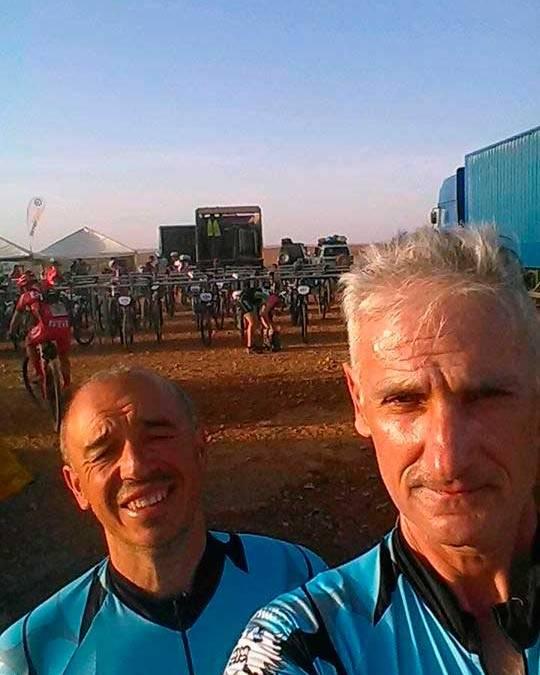 El equipo de l'Alfas del Pi afronta hoy la tercera etapa de la Gaes Titan Desert by Garmin