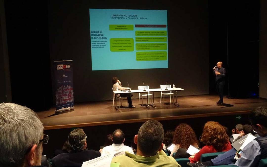 L'Alfàs participa en una jornada de intercambio de experiencias sobre financiación europea