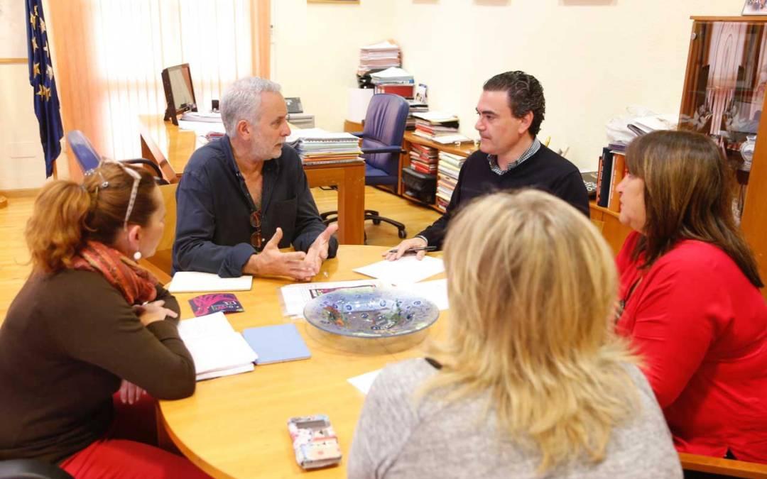 El alcalde se reúne con el nuevo coordinador médico del centro de salud de l'Alfàs