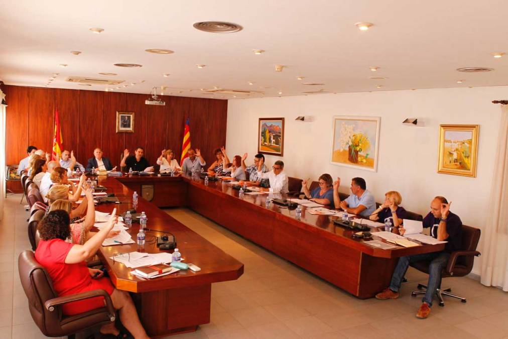 El Pleno de l'Alfàs aprueba solicitar una prórroga para el documento de referencia del PGOU