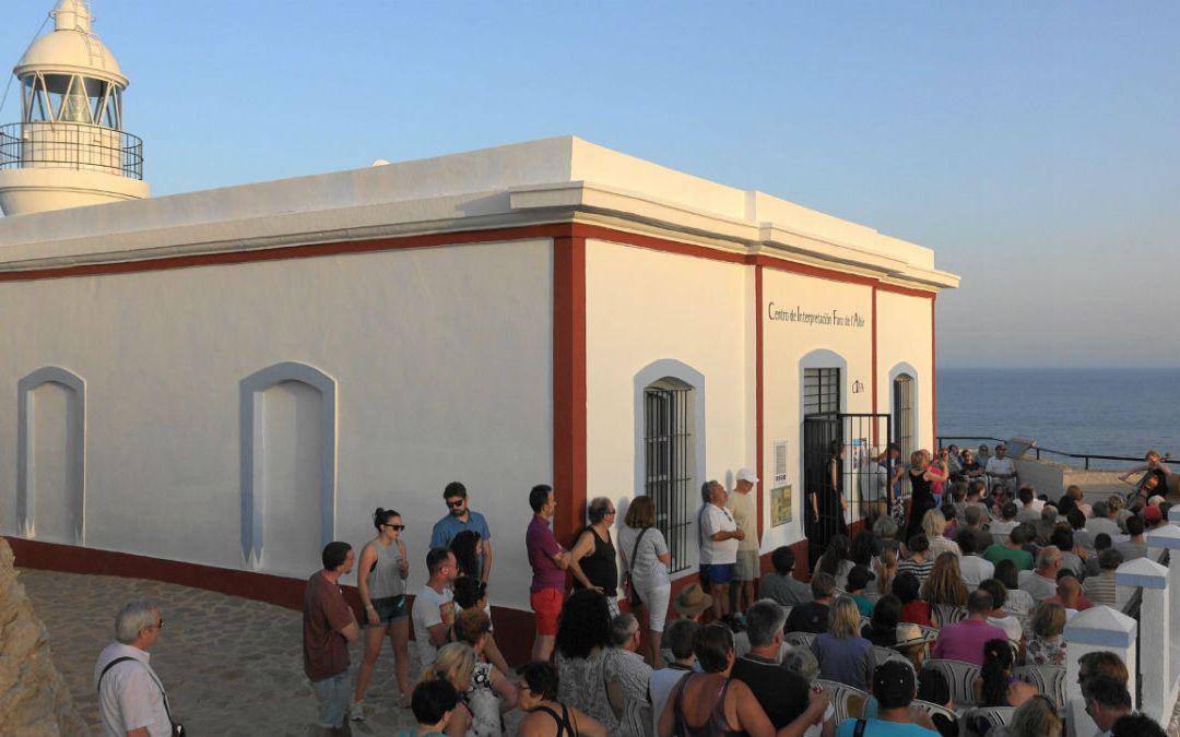 Más de 150 personas asisten a un concierto de instrumentistas de cuerda en el Faro de l'Albir