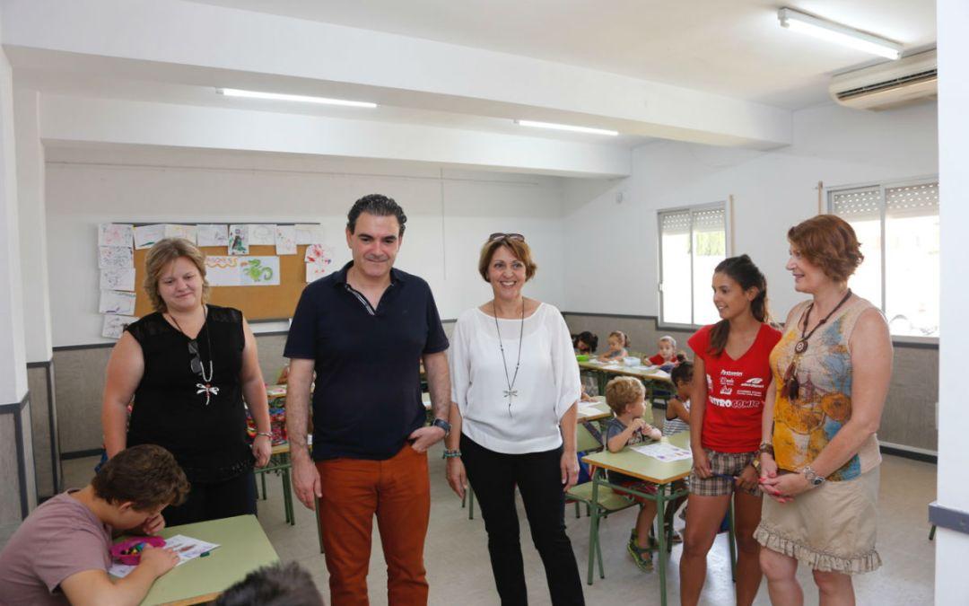 Más de un centenar de niños asisten a la Escuela de Verano de l'Alfàs del Pi durante el mes de julio