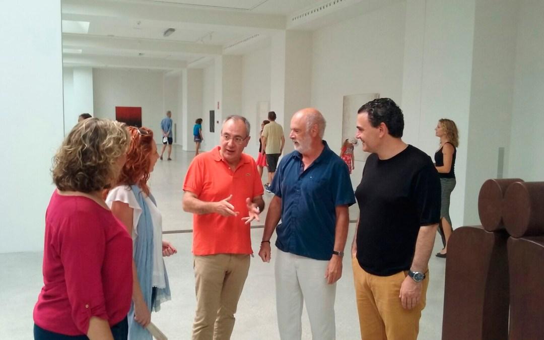 Óscar Bento inunda la Fundación Frax con su 'Vino y chocolate'