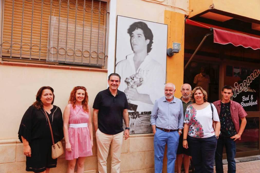 Las calles del casco antiguo acogen la exposición fotográfica 'Balconades de Cine'
