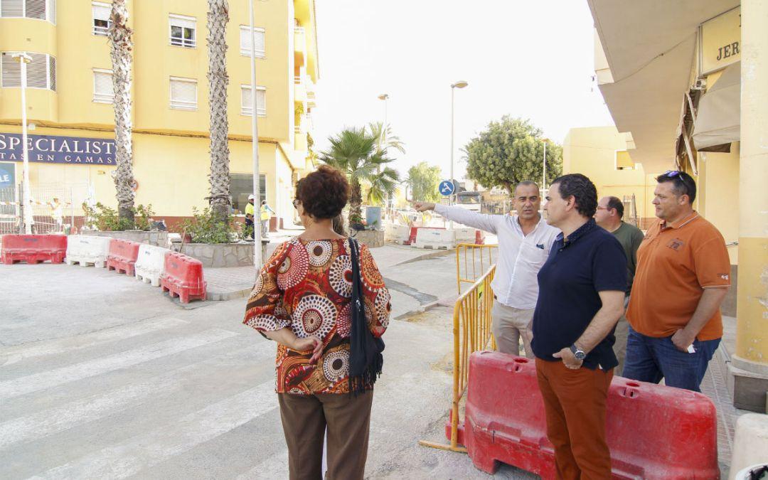 La nueva rotonda de la avenida del País Valencià estará finalizada en septiembre
