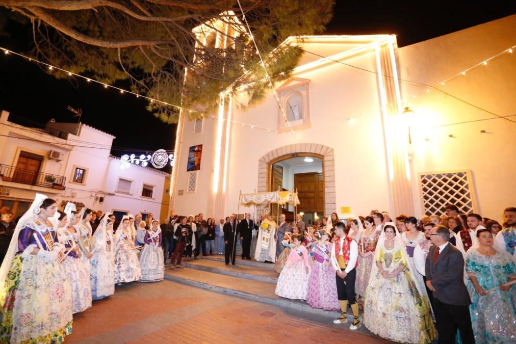 L'Alfàs del Pi cierra sus fiestas mostrando su devoción por el Santísimo Cristo del Buen Acierto