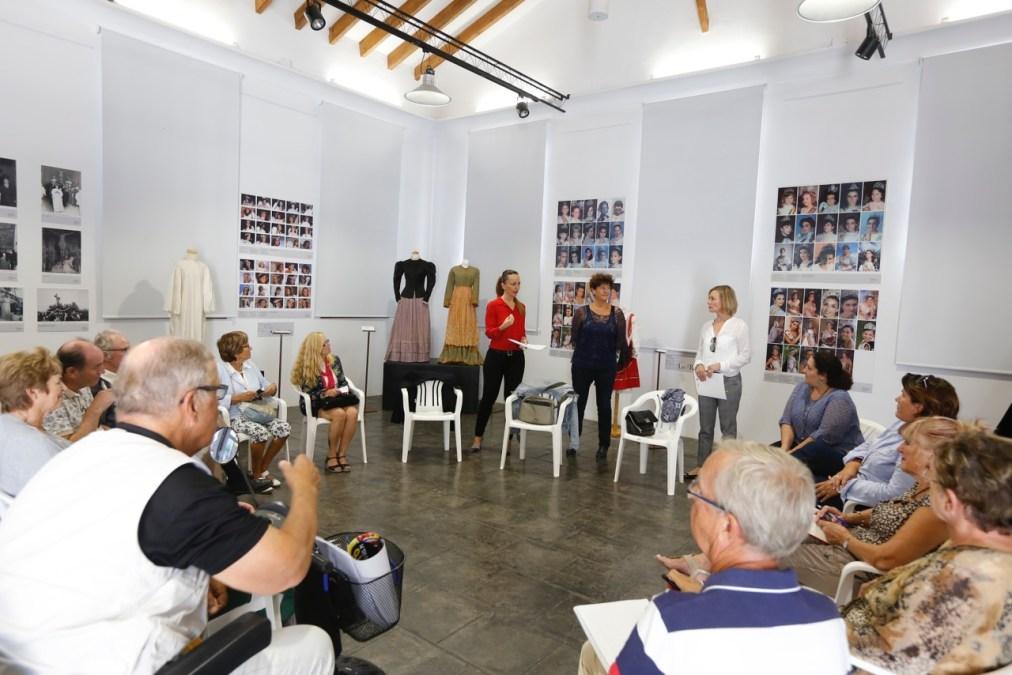 Martine Mertens celebra su primera reunión con los colectivos de residentes extranjeros del municipio