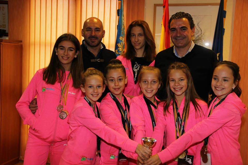 El conjunto alevín de Gimnasia Rítmica de l'Alfàs del Pi, este año ha sido Campeón Provincial , Campeón Autonómico y el quinto mejor de España.