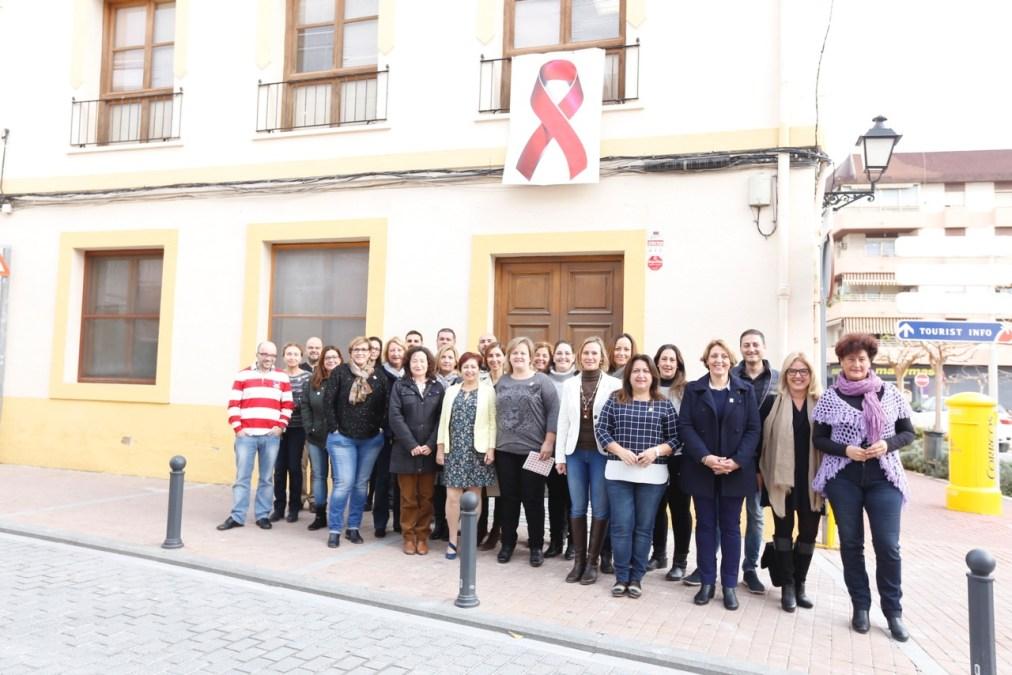 L'Alfàs del Pi muestra su compromiso con la lucha contra el sida