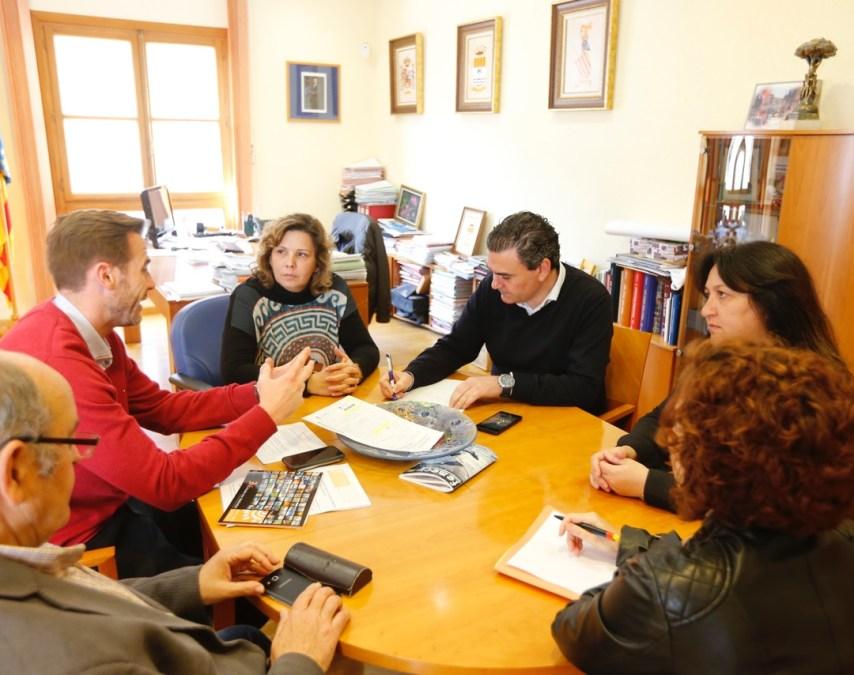El alcalde de l'Alfàs del Pi se reúne con AVIBE para estudiar nuevas vías de colaboración