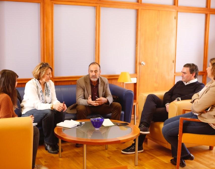 El alcalde de l'Alfàs del Pi se reúne con el directo del CEFIRE