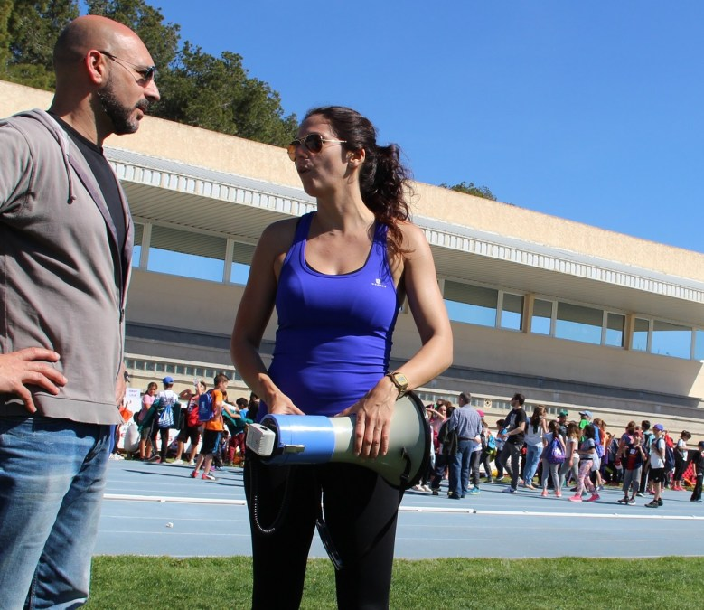 Más de 300 niños del colegio Santísimo Cristo del Buen Acierto ha celebrado una jornada de deportes tradicional.