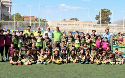 El concejal de deportes visita el  6º campus de tecnificación que ACATEC realiza en l'Alfàs del Pi