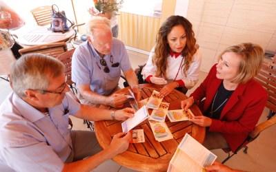Residentes inicia la ronda de visitas a las asociaciones con el Club Noruego
