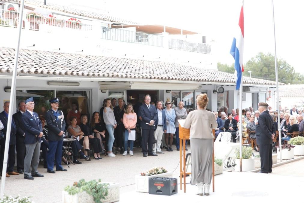 El Club Los Holandeses de l'Alfàs del Pi honra la memoria de sus fallecidos durante la II Guerra Mundial