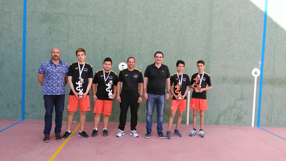 La escuela municipal de Frontenis de l'Alfàs del Pi entre las mejores de la provincia de Alicante.