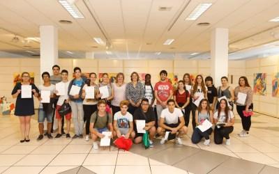 Una veintena de jóvenes de l'Alfàs obtienen el certificado de manipulador de alimentos a través del CIJA