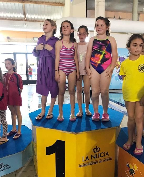 Las hermanas Claudia y Paula Avi,  y Andrea Perez hicieron podium en el Campeonato Autonómico de natación con aletas