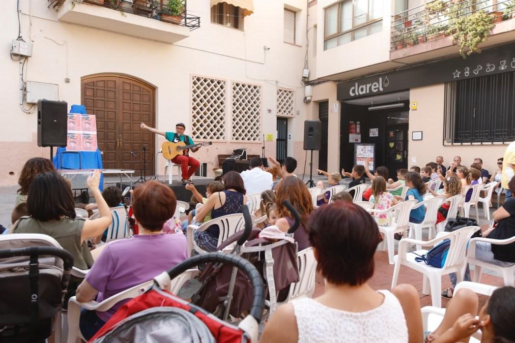 Encontes lleva la tradición oral a las plazas y calles de l'Alfàs del Pi y l'Albir