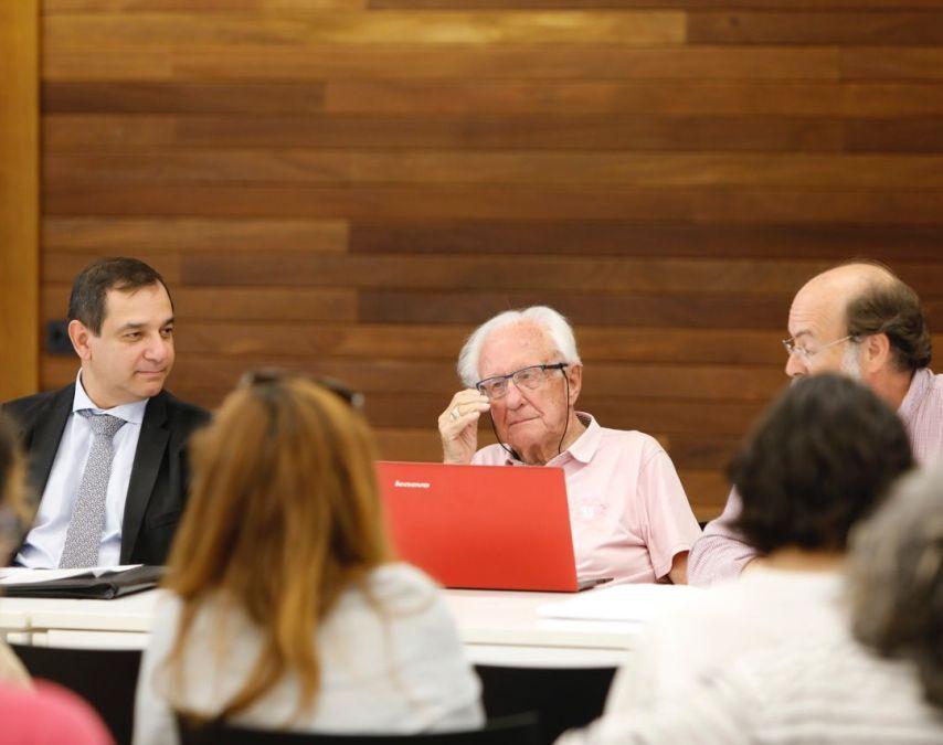 El conseller de Economía participará mañana en l'Alfàs en un seminario sobre la crisis económica