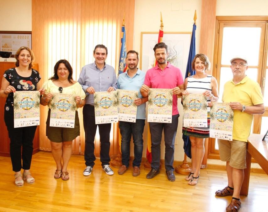 El Ayuntamiento de l'Alfàs colabora en la fiesta benéfica Flower Power de Jovempa Marina Baixa