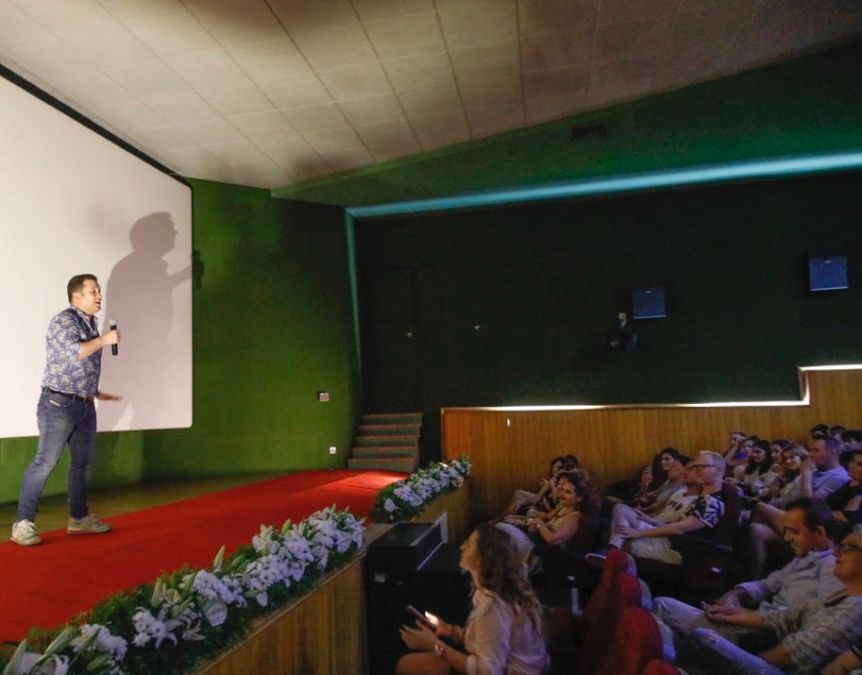 El actor Secun de la Rosa presenta en l'Alfàs 'Pieles' y participa en un coloquio con el público