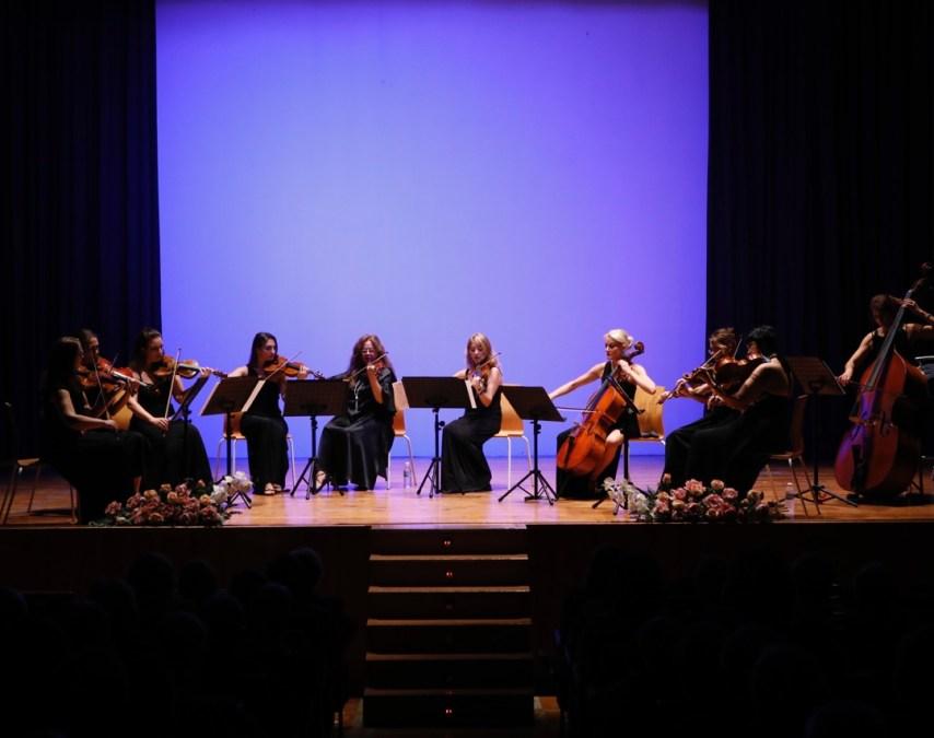 Con las Serenatas de Mozart, Kalinnikov, Elgar y Schubert baja el telón de Mozartmanía