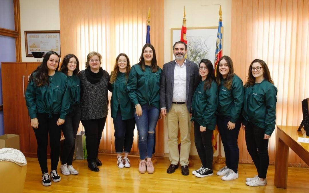 Siete jóvenes de l'Alfàs asumen la mayoralía de la Inmaculada Concepción