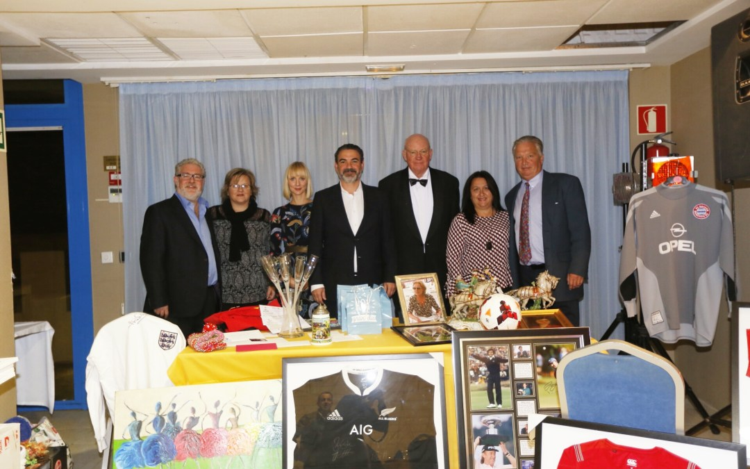 L'Alfàs acogió una cena solidaria de la Fundación Make a Wish