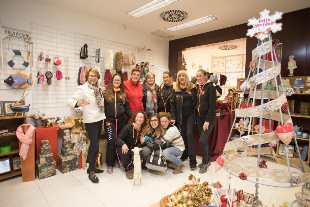 L'Alfàs acoge un mercadillo solidario navideño a favor de los animales sin hogar