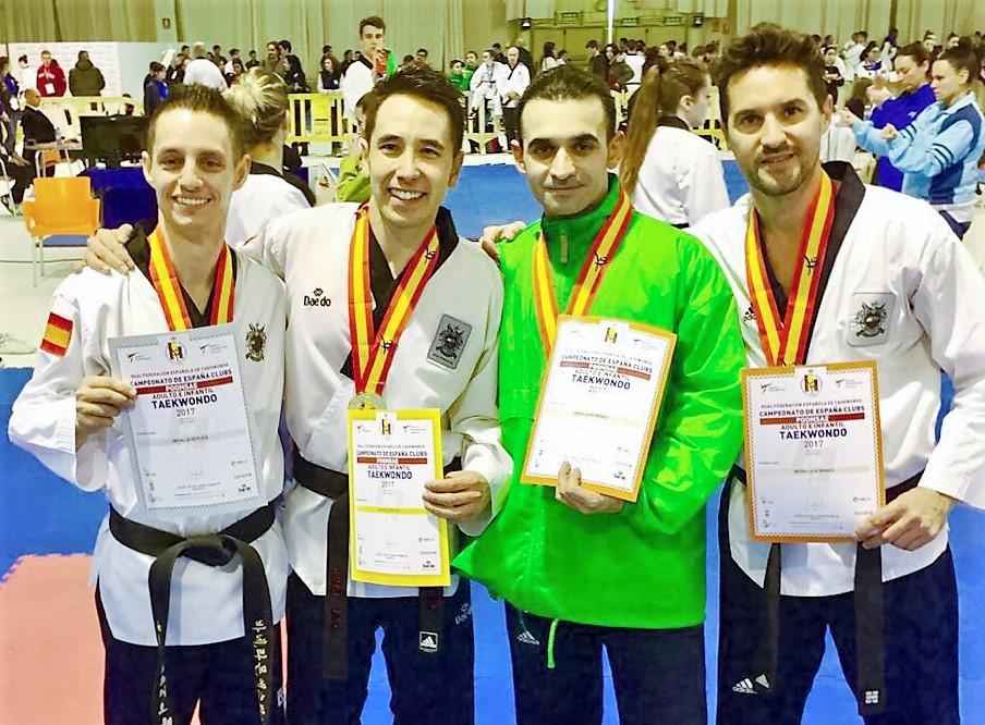 Ximo Ródenas bronce en el campeonato de España de Taekwondo por clubes en Castellón .
