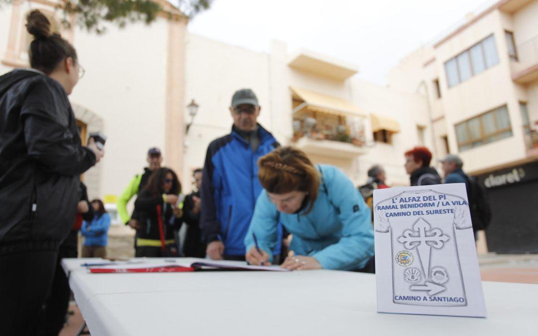 Un centenar de peregrinos rumbo a Santiago desde l'Alfàs