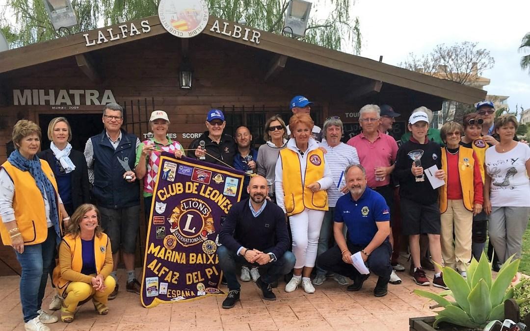 El V trofeo de Golf del Club de Leones recaudó 500 € que se destinarán al Banco de Alimentos.