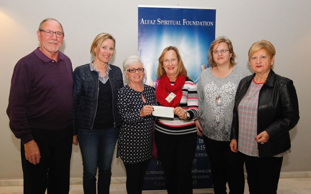La organización británica Spiritual Foundation Alfaz dona 500 euros al Banco de Alimentos