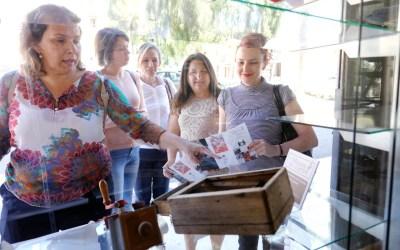 Más de 40 comercios de l'Alfàs participan en 'El Museu ix al carrer'