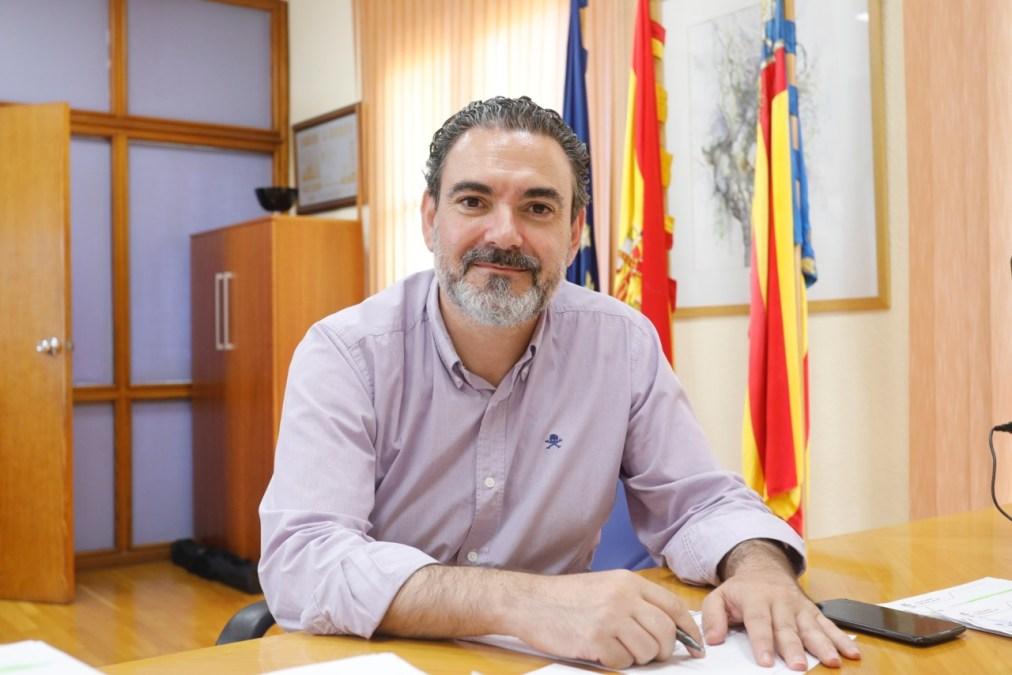El alcalde de l'Alfàs se congratula del compromiso de Fomento de mejorar los accesos al hospital comarcal