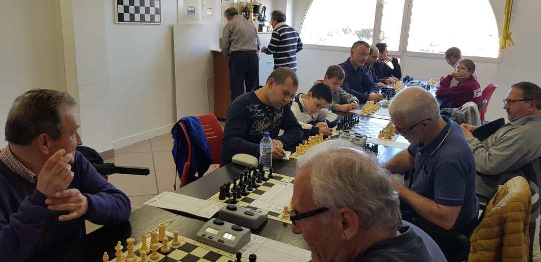 El  club de  ajedrez de l'Alfàs del Pi sigue en los primeros puestos de las ligas de ajedrez provinciales y autonómicas.