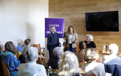 Corrie Delhoofen presenta en l'Alfàs su libro 'De camino al Hogar'