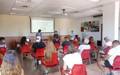 Una veintena de personas realizan el curso de manipulador de alimentos organizado por Juventud