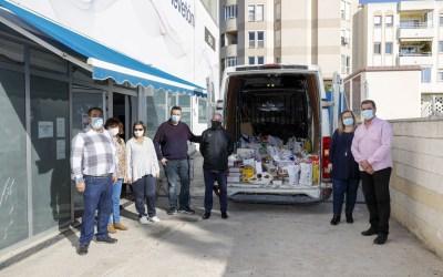 El Club de Futbol Sala dona más de 500 kilos de alimentos al Voluntariado Social