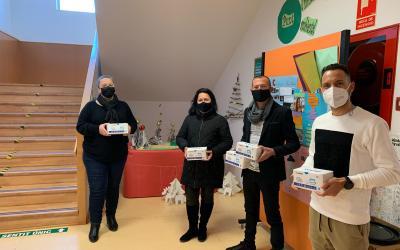 L'Alfàs reparte más de 2.000 mascarillas en Centros Educativos, Voluntariado y Asociaciones