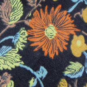 Hatton tie - close-up floral design.