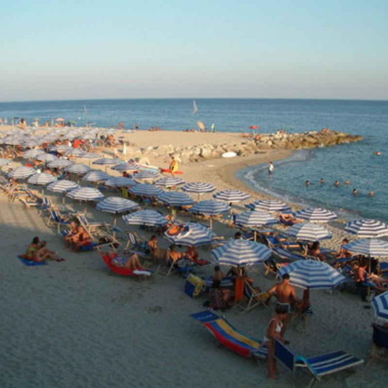La spiaggia di roccella Ionica la locride 1