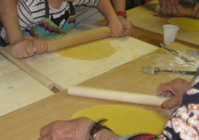 Centro Diurno Alzheimer e  bambini di Marzocca insieme
