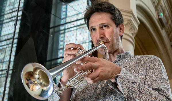 Andrew Crowley da 007 a Marche Music College