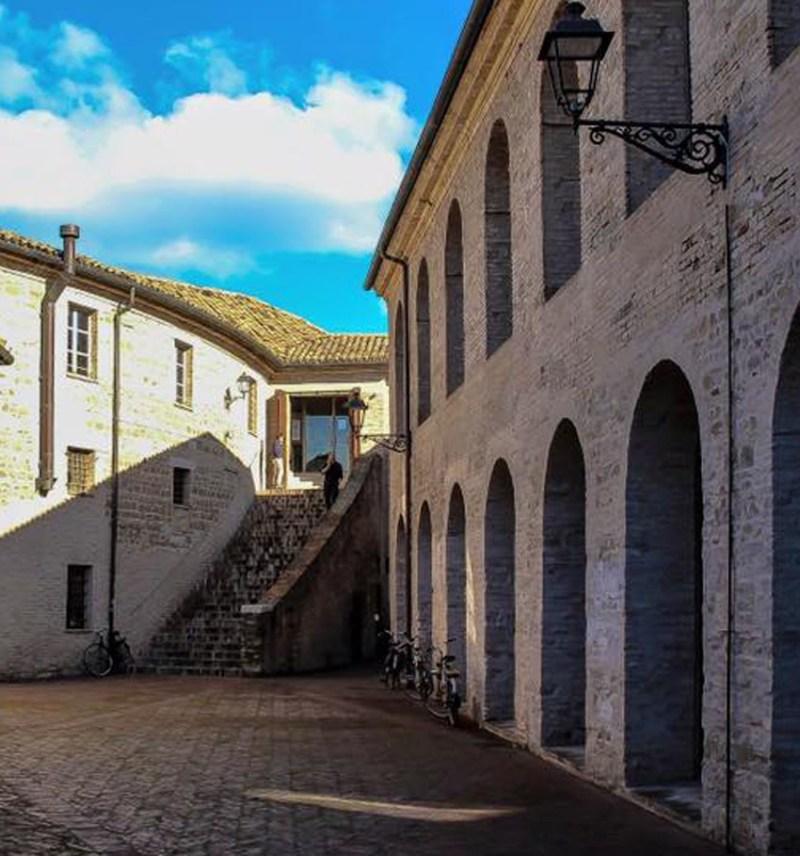 SENIGALLIA / La Biblioteca Antonelliana festeggia i 250 anni ed è alla ricerca di indicazioni per essere al passo con i tempi
