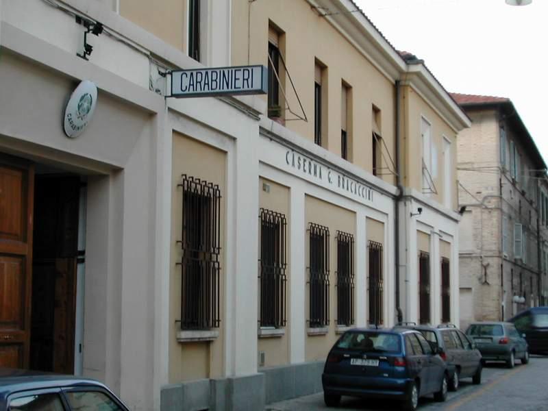Un giovane rumeno denunciato a Senigallia per tentato furto