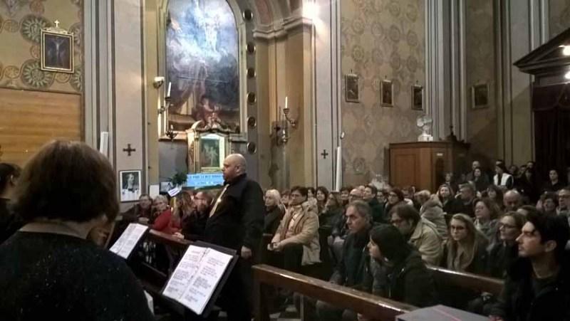 TRECASTELLI / Nella chiesa di Brugnetto un'emozionante atmosfera natalizia con il concerto di canti gospel